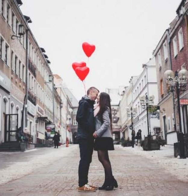 Love Quotes + Tips to Improve Romance in 10 Days!