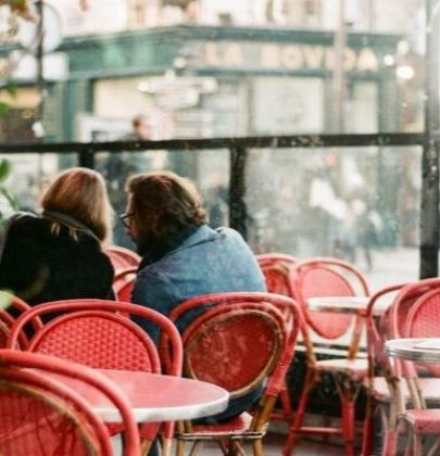 13 First Date Conversation Starters + What Not to Say on a First Date