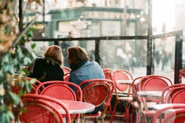 first date conversation photo