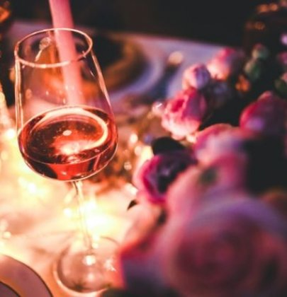 How to Plan a Romantic Night at Home that is Really Special