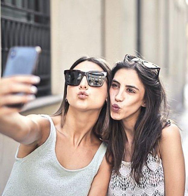 128 Best Friend Captions to Help Create Memories